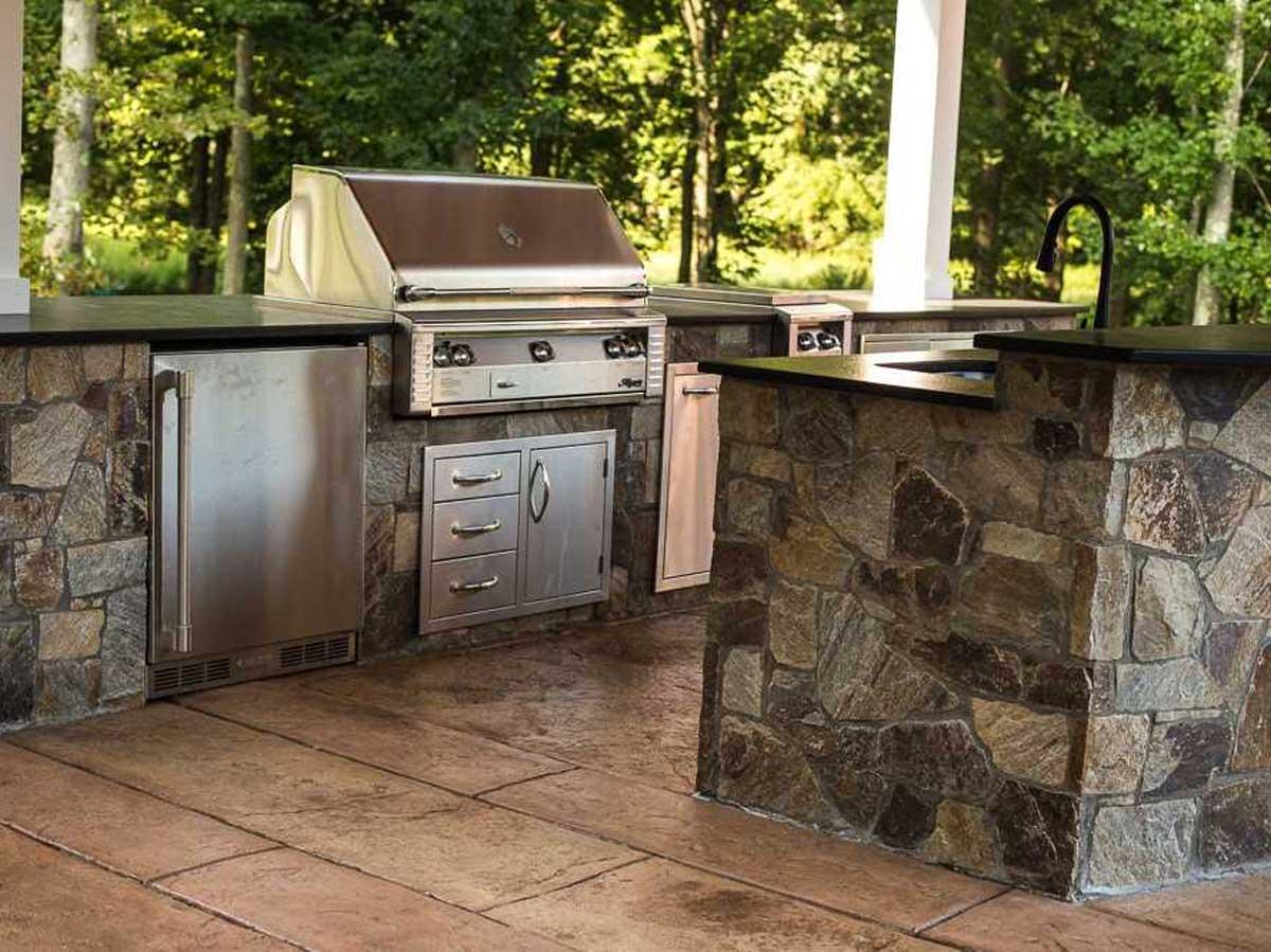 outdoor stainless steel kitchen