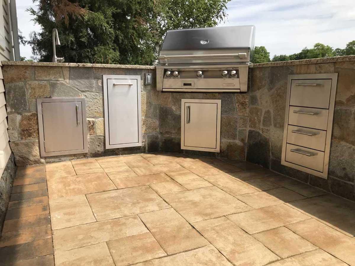 backyard outdoor kitchen
